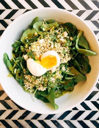 The Green Queen : arugula, quinoa, cauliflower, asparagus, snap peas, mint, soft egg, sorrel vinaigrette.